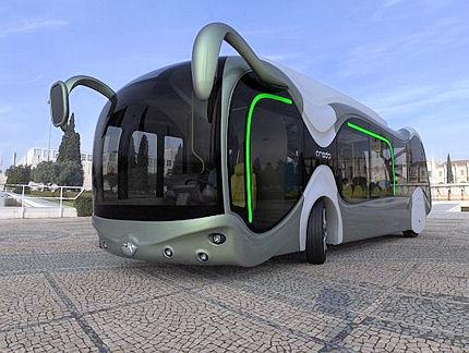 Číňania vymysleli autobus, pod ktorým prechádzajú autá